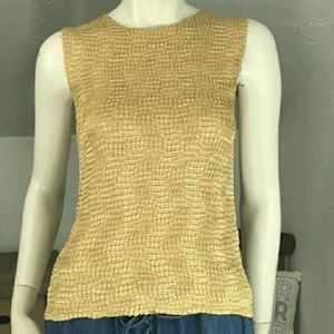 Tops - $10 SALE❣️Gold Super Stretchy Kringle Tank Top